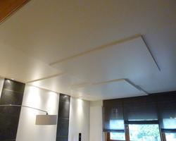 Plafond en bois avec niveaux différents