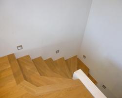 Marches d'escalier en chêne massif huilé