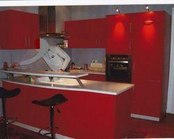 Menica Menuiserie - Metzervisse- cuisine rouge laqué